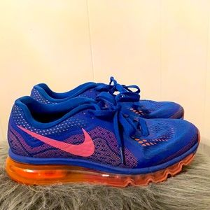 Nike Air Max Athletic Shoes